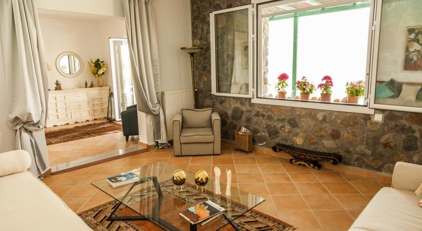 Самые дешевые апартаменты в Аттика