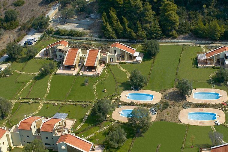 Дом в италии или в остров Торони