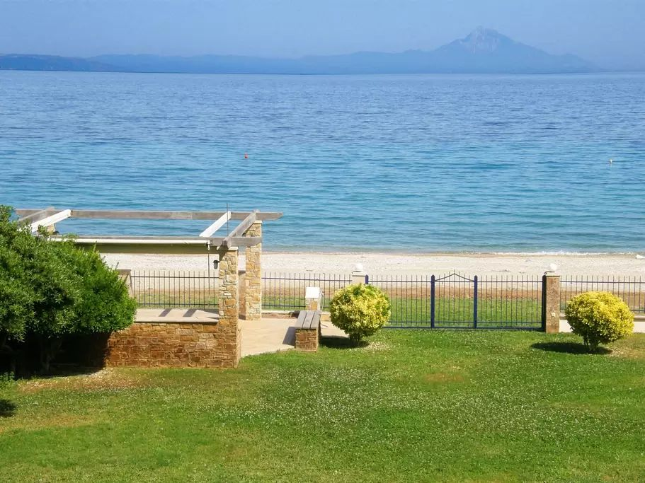 Продажа квартир на берегу моря греция