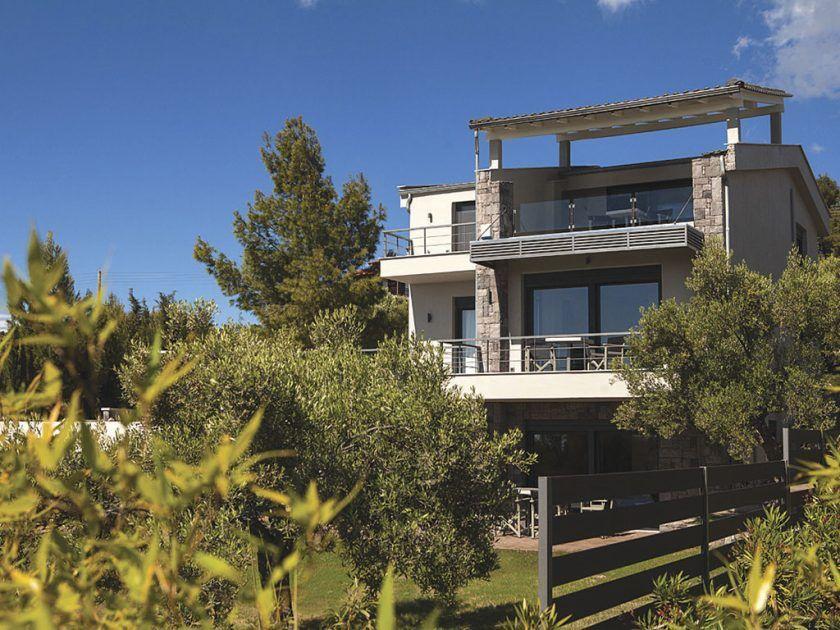 Дома в Ситония с видом на море