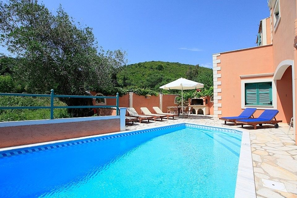 Beach house for rent in corfu private swimming pool 2 - Houses with swimming pools for rent ...