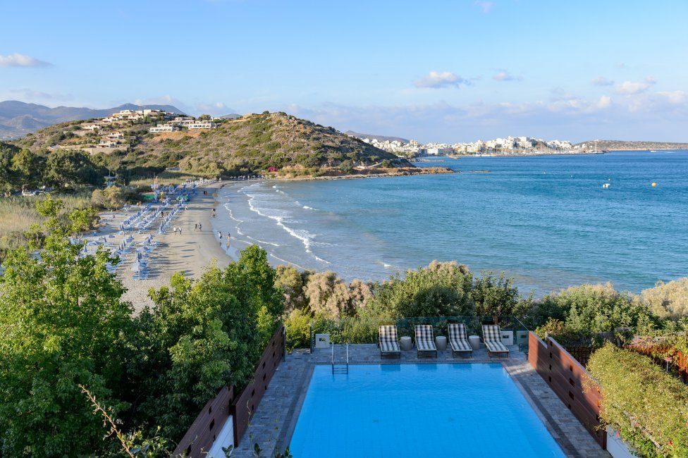 Beach villa for rent in Crete  4 bedrooms, private swimming pool