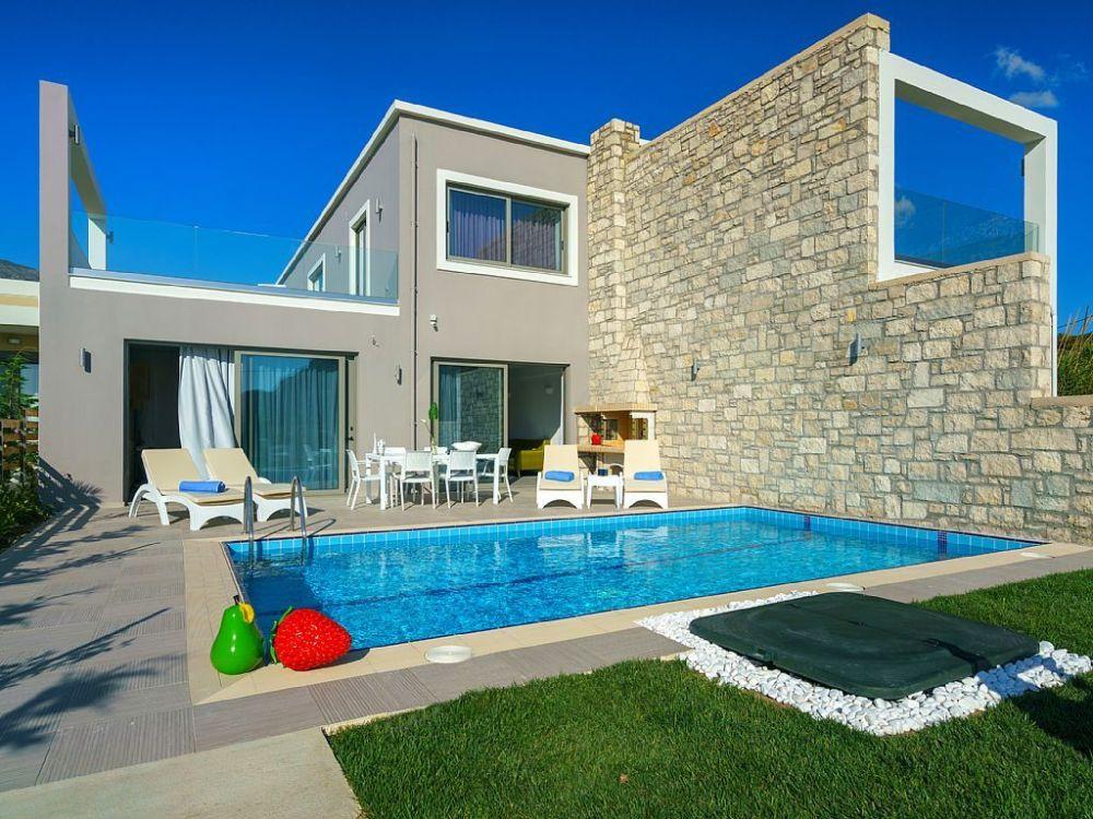 private complex of 2 villas by thebeach rental in crete greece. Black Bedroom Furniture Sets. Home Design Ideas