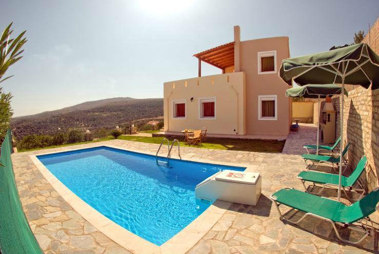 Недорогой дом в Крит у моря