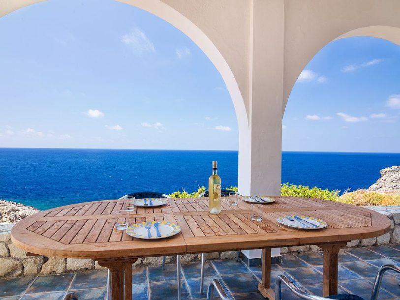 villa for rent in crete greece 6 bedrooms near the