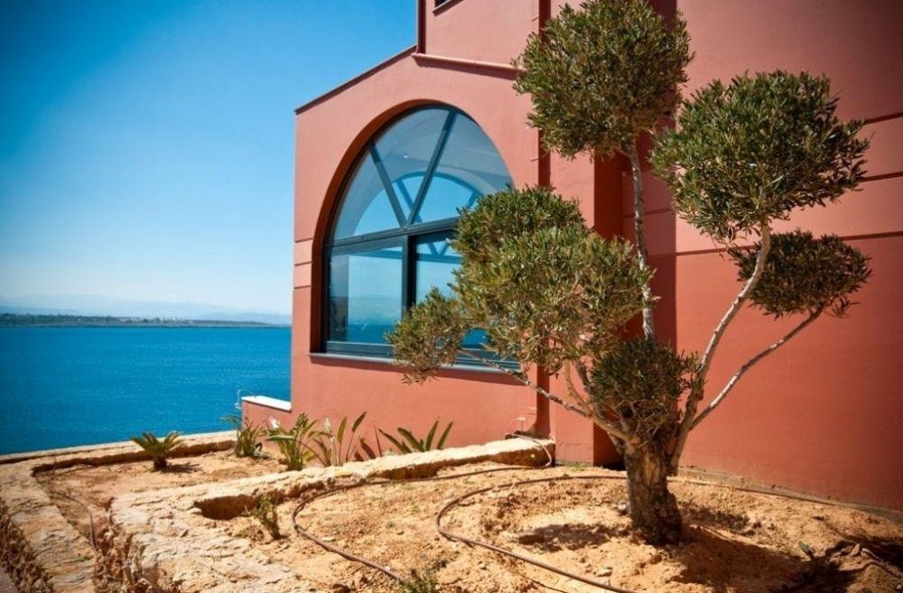 villas near the for rent in crete chania greece
