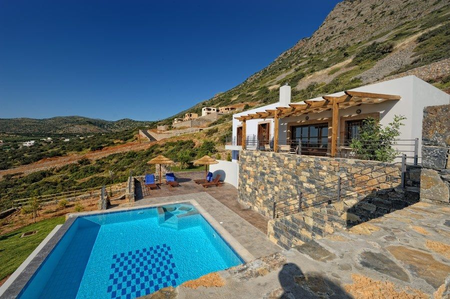 Holiday Villas Near The Beach For Rent In Greece