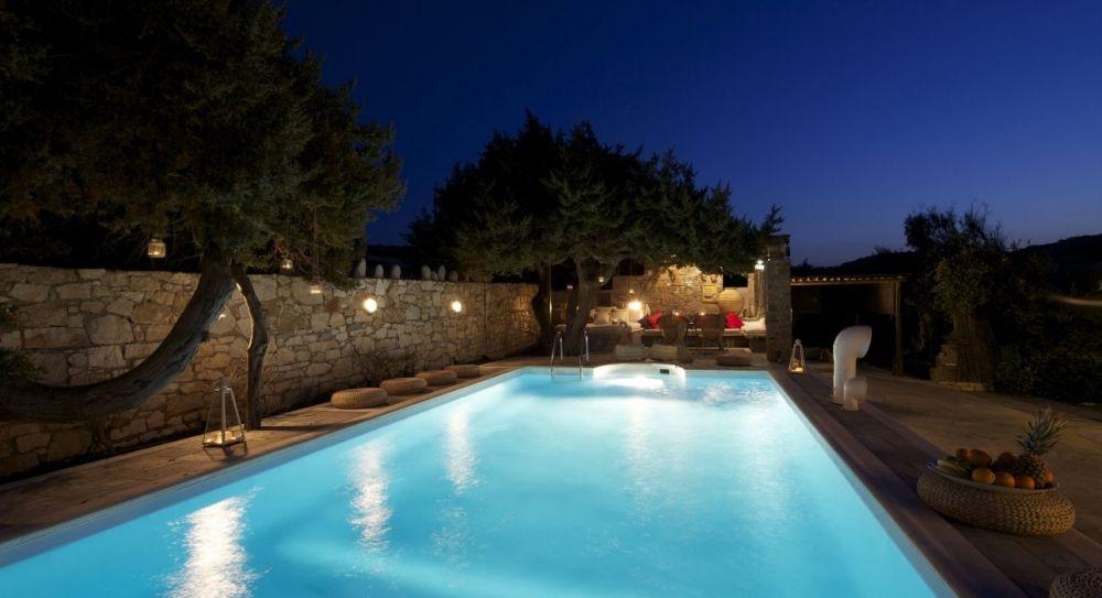 Виллу в Парос с собственным бассейном