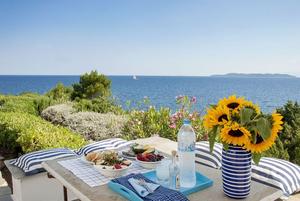 Villa By The Sea For Rent 3 Bedrooms In Peloponnese