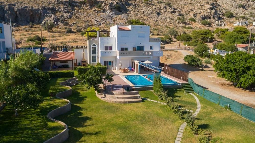 Дом в Пефки Родос в деревне недалеко от моря