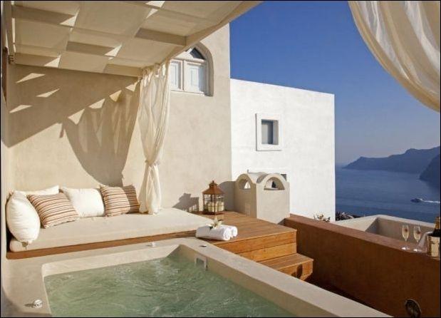 Villa For Rent 8 Guests In Santorini