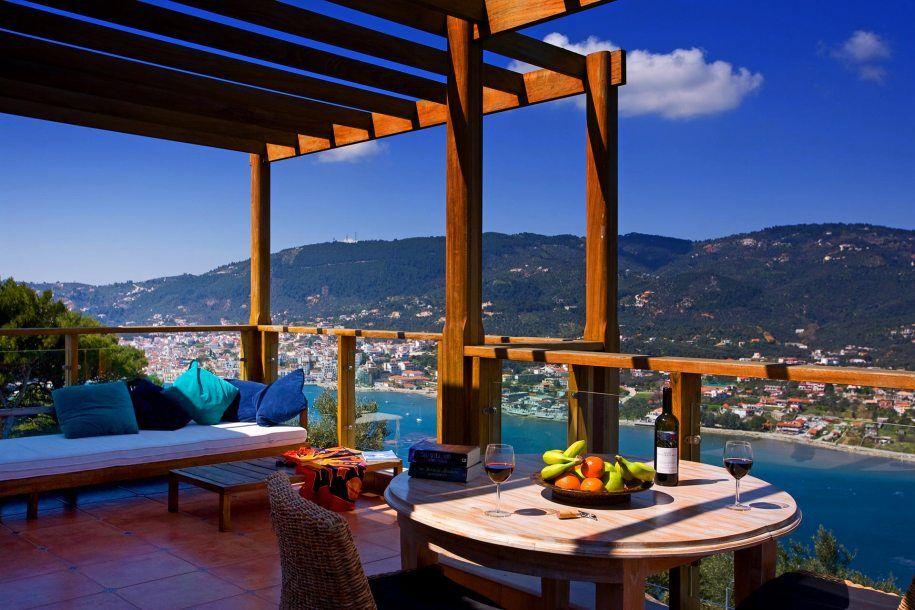 Ресторан в барселоне остров Скиатос